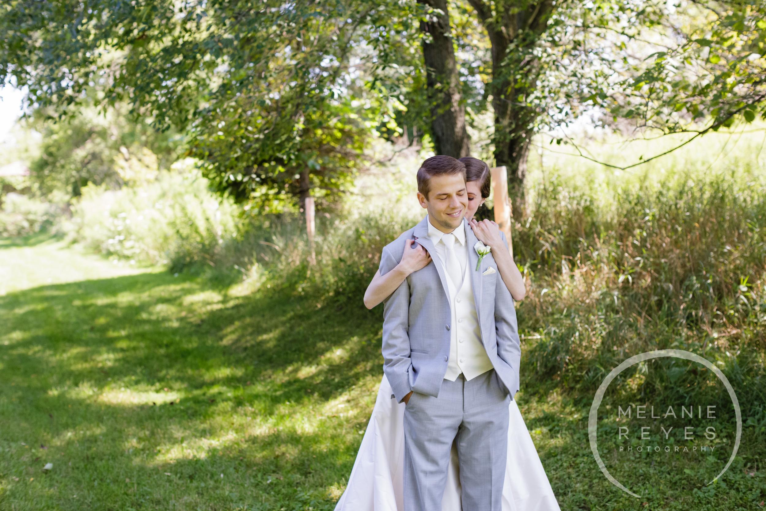 013_farm_wedding_melanie_reyes.JPG