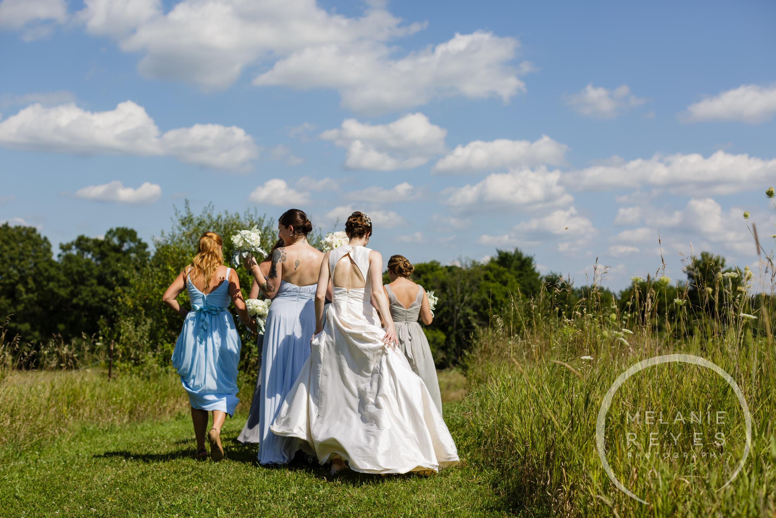 021_farm_wedding_melanie_reyes.JPG