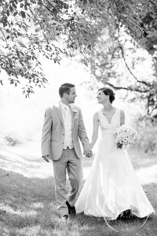 025_farm_wedding_melanie_reyes.JPG