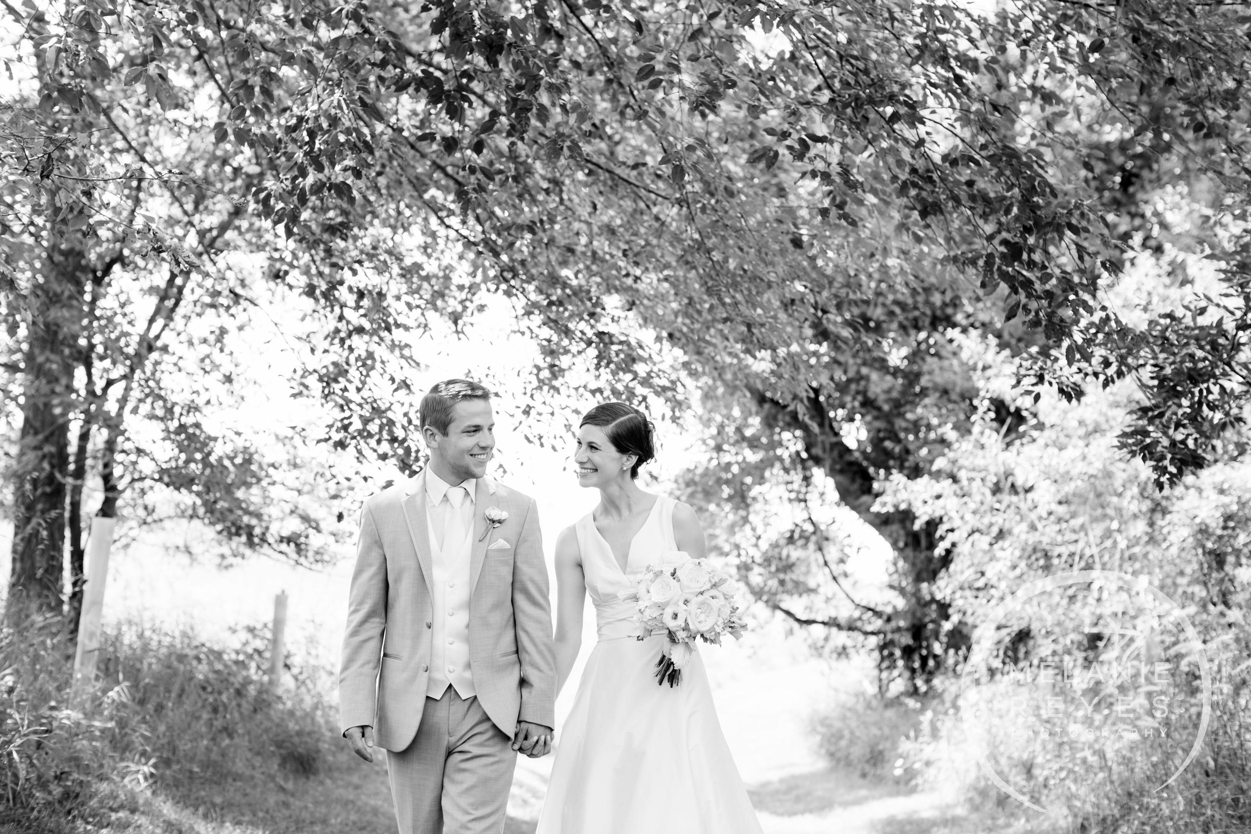 026_farm_wedding_melanie_reyes.JPG