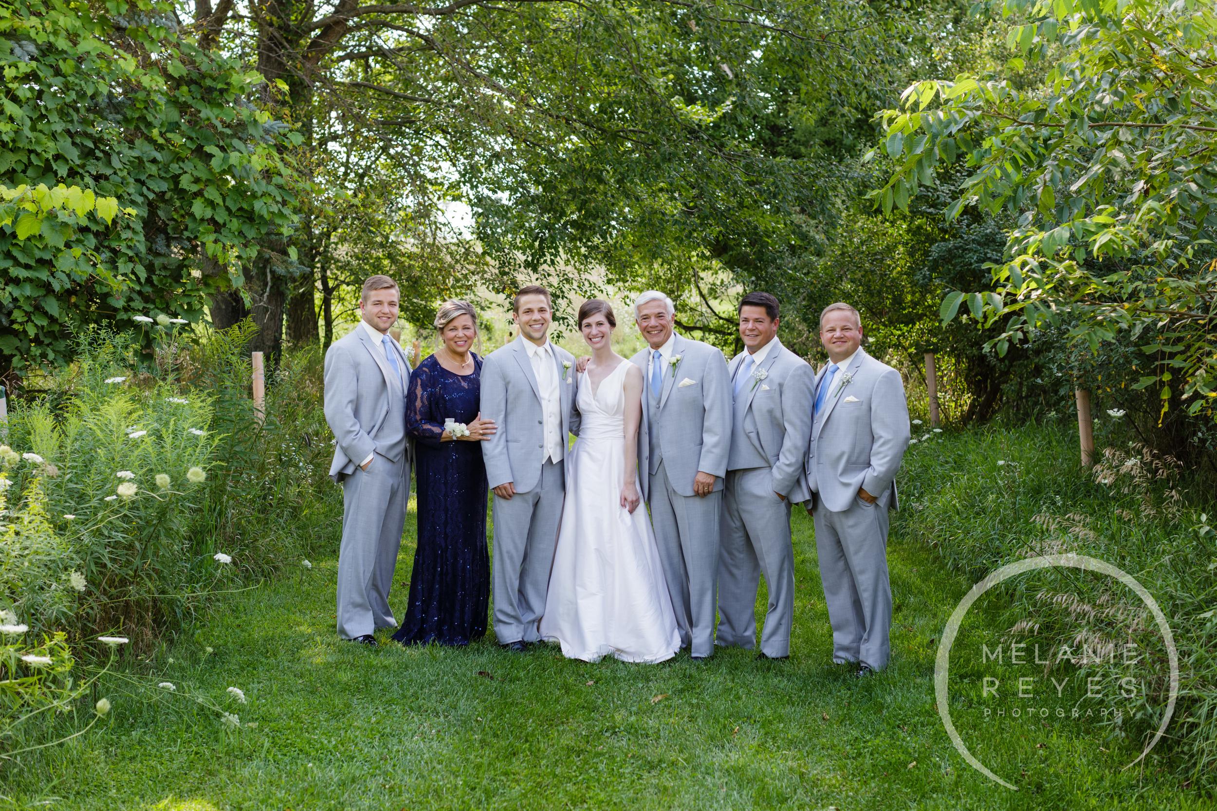 036_farm_wedding_melanie_reyes.JPG