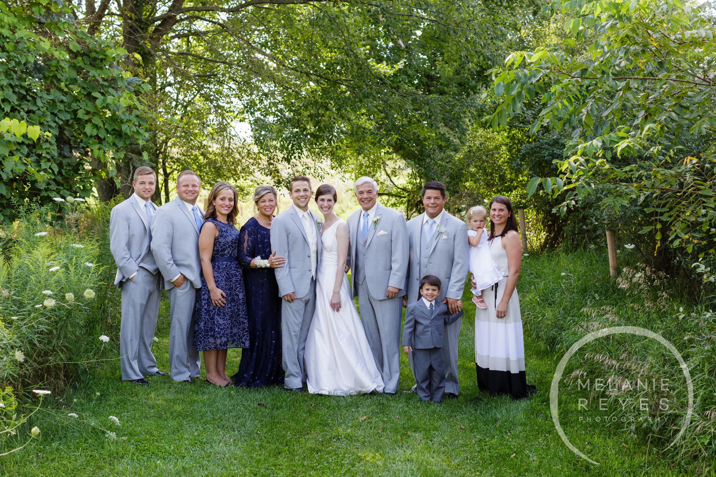 038_farm_wedding_melanie_reyes.JPG