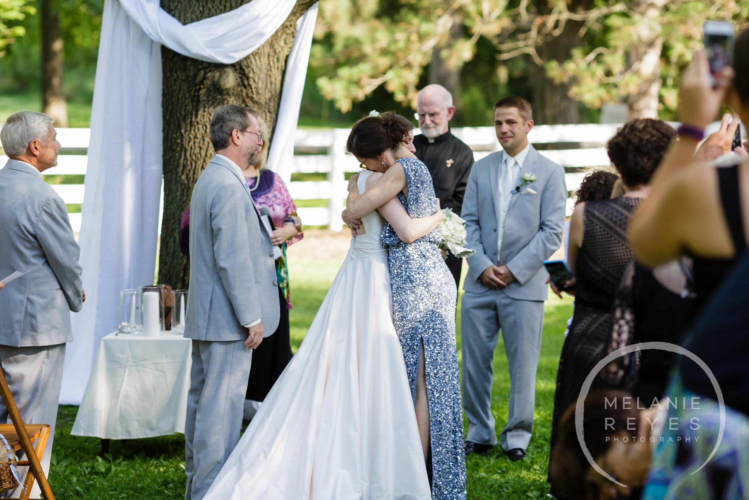043_farm_wedding_melanie_reyes.JPG