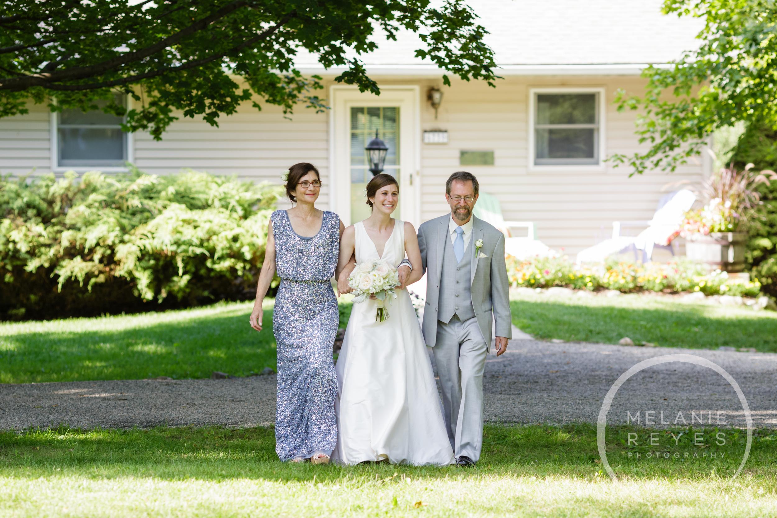 042_farm_wedding_melanie_reyes.JPG