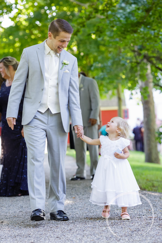052_farm_wedding_melanie_reyes.JPG
