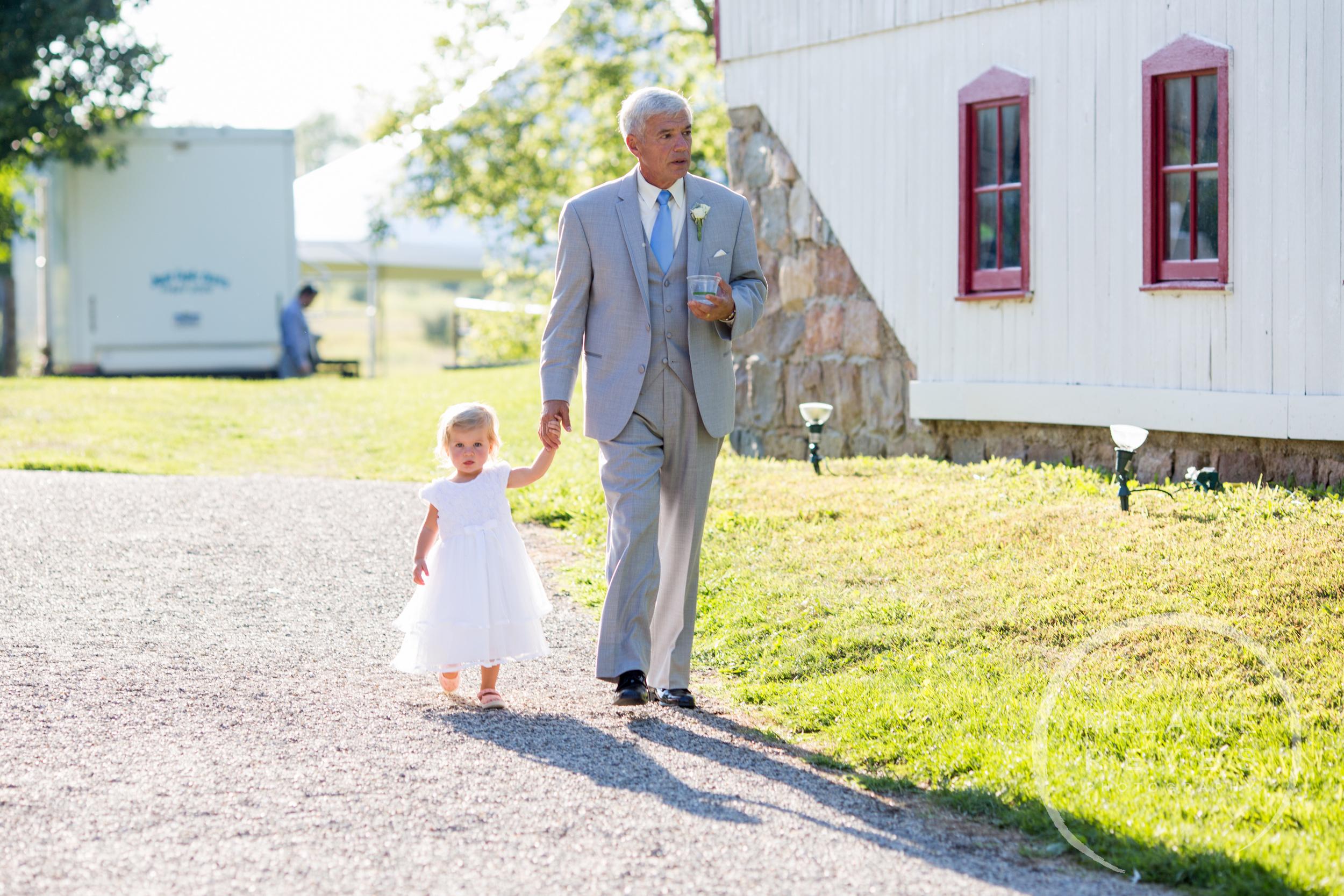 059_farm_wedding_melanie_reyes.JPG