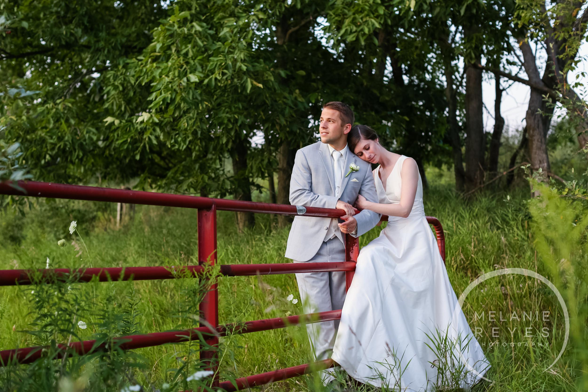077_farm_wedding_melanie_reyes.JPG