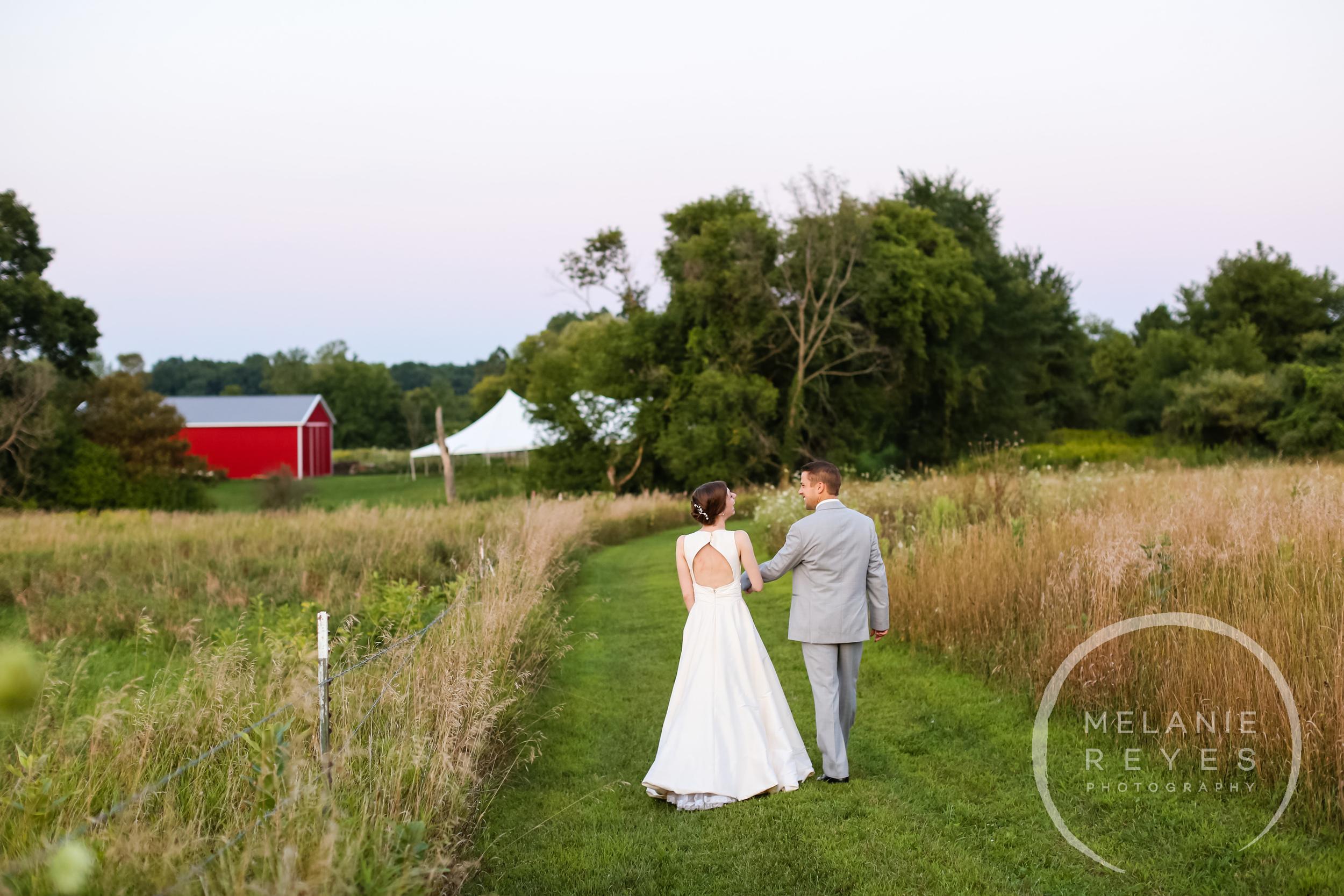 079_farm_wedding_melanie_reyes.JPG