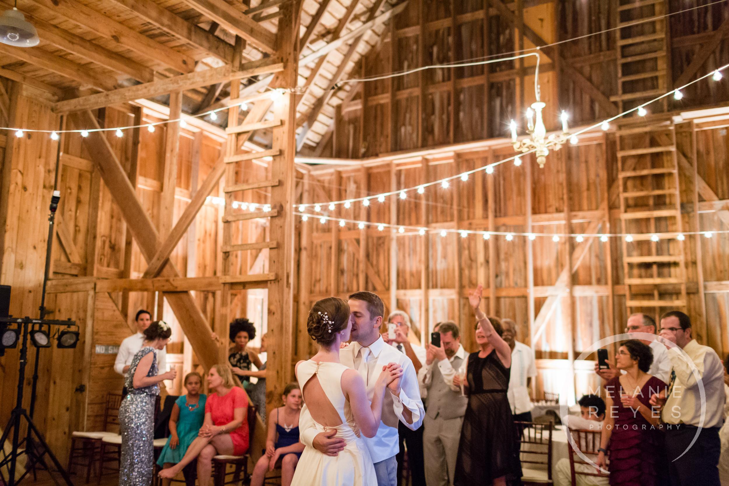 084_farm_wedding_melanie_reyes.JPG