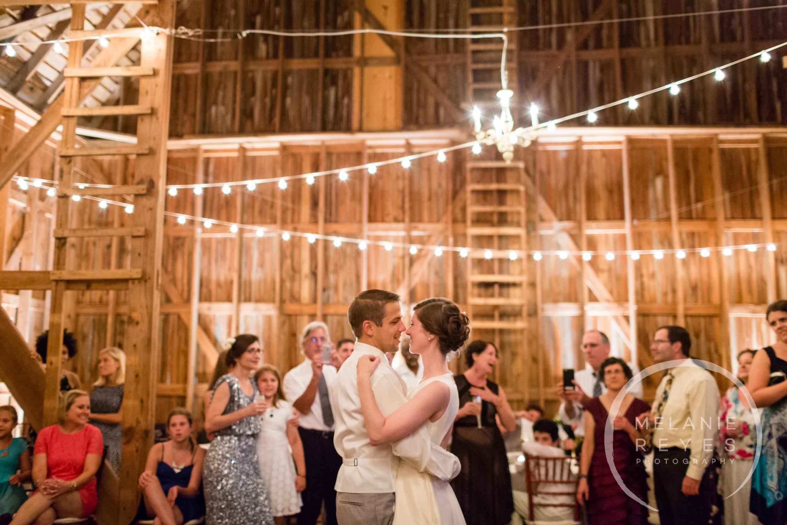 085_farm_wedding_melanie_reyes.JPG