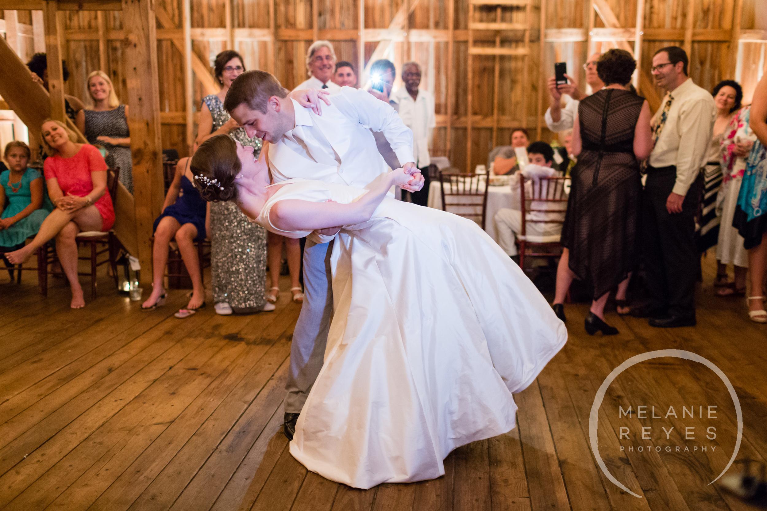 086_farm_wedding_melanie_reyes.JPG