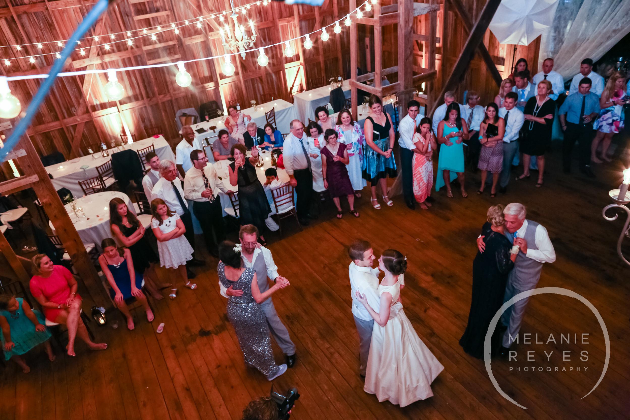 090_farm_wedding_melanie_reyes.JPG