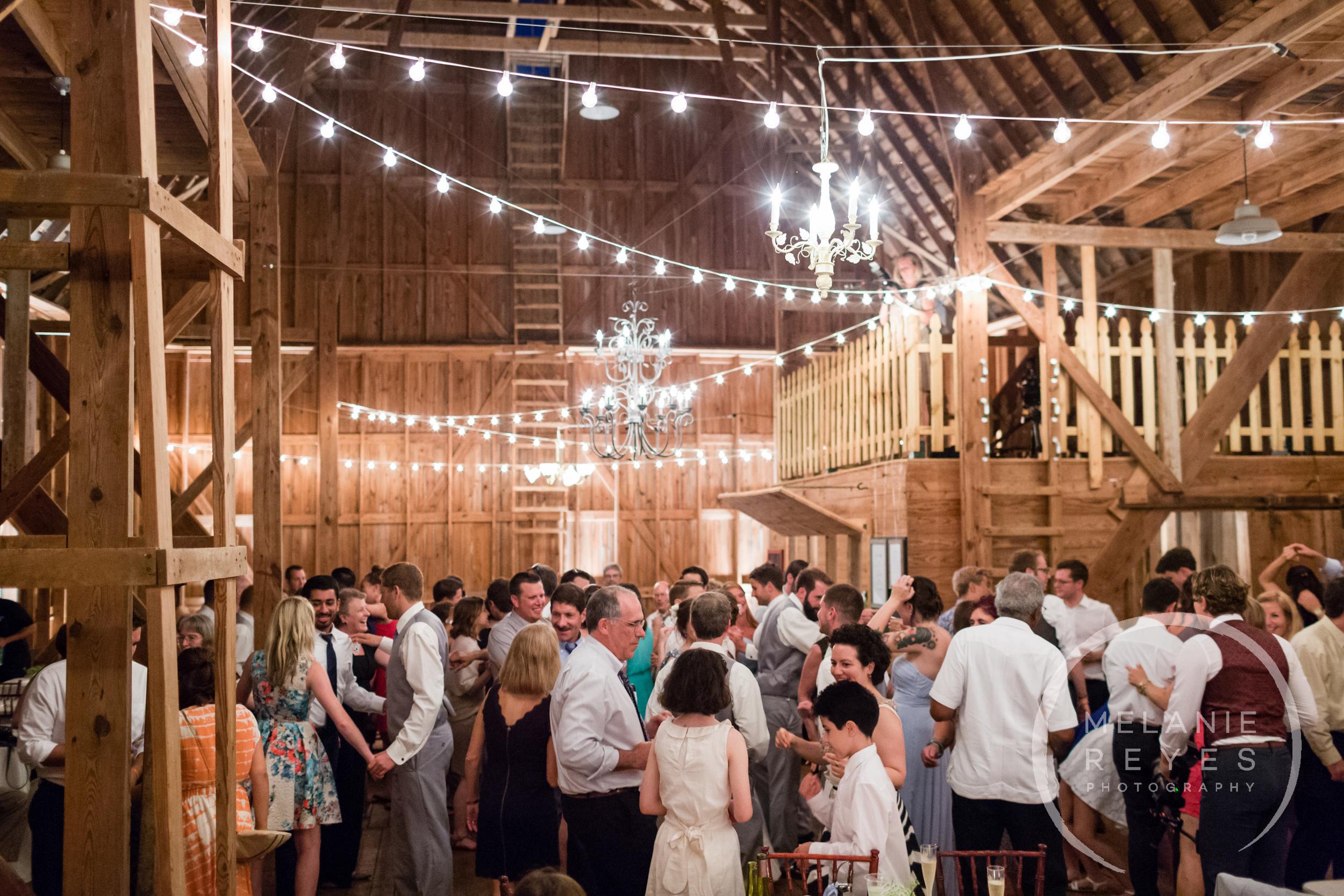 092_farm_wedding_melanie_reyes.JPG