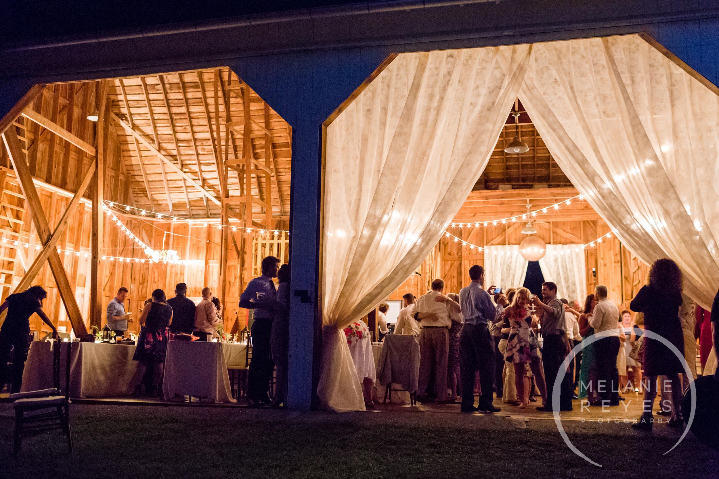 091_farm_wedding_melanie_reyes.JPG