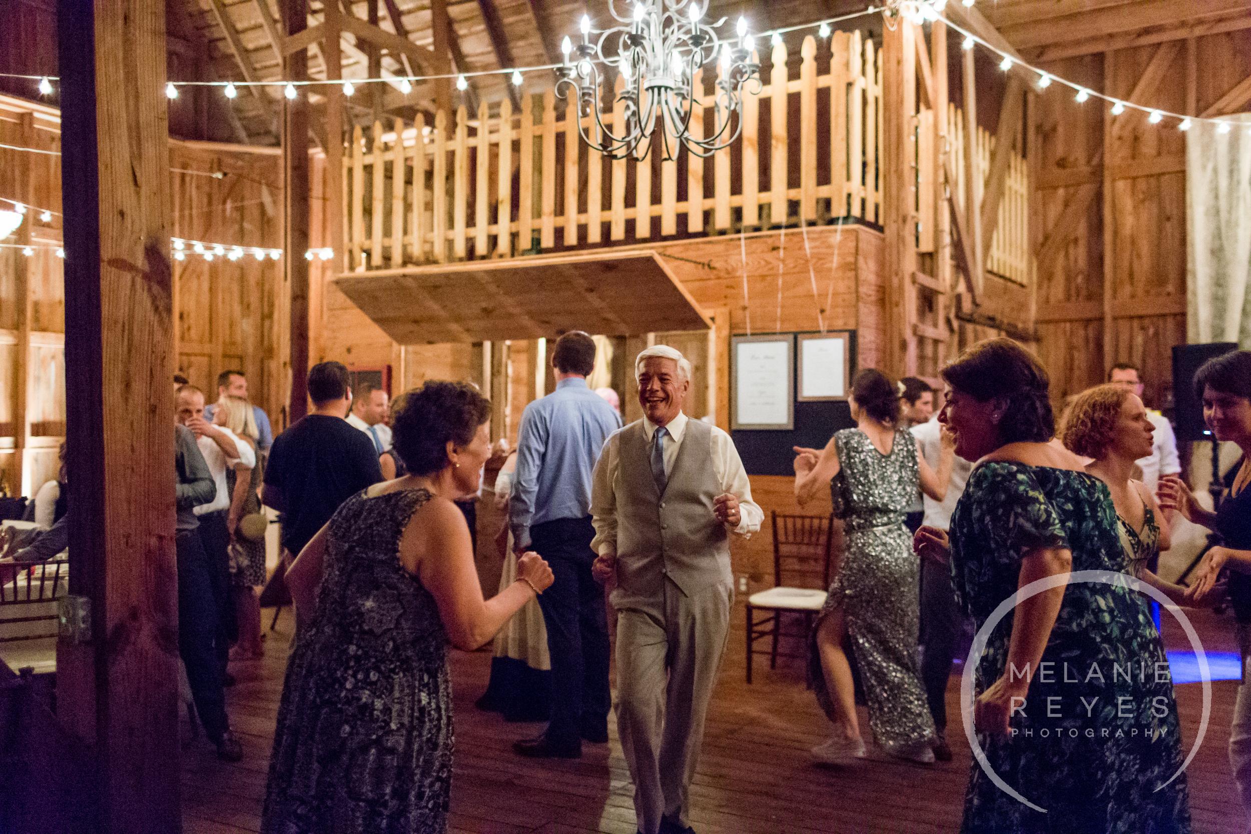 100_farm_wedding_melanie_reyes.JPG