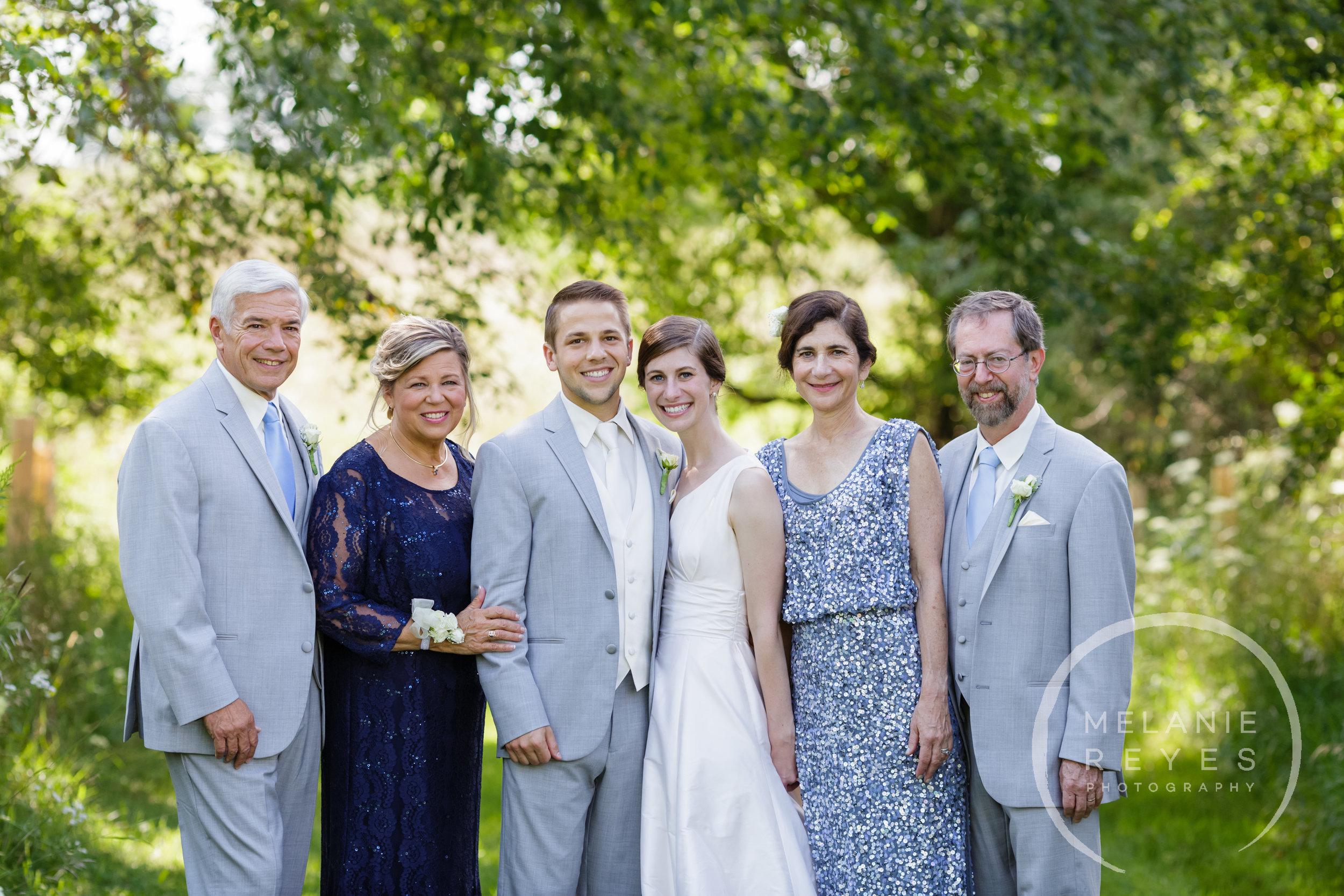 035_farm_wedding_melanie_reyes.JPG