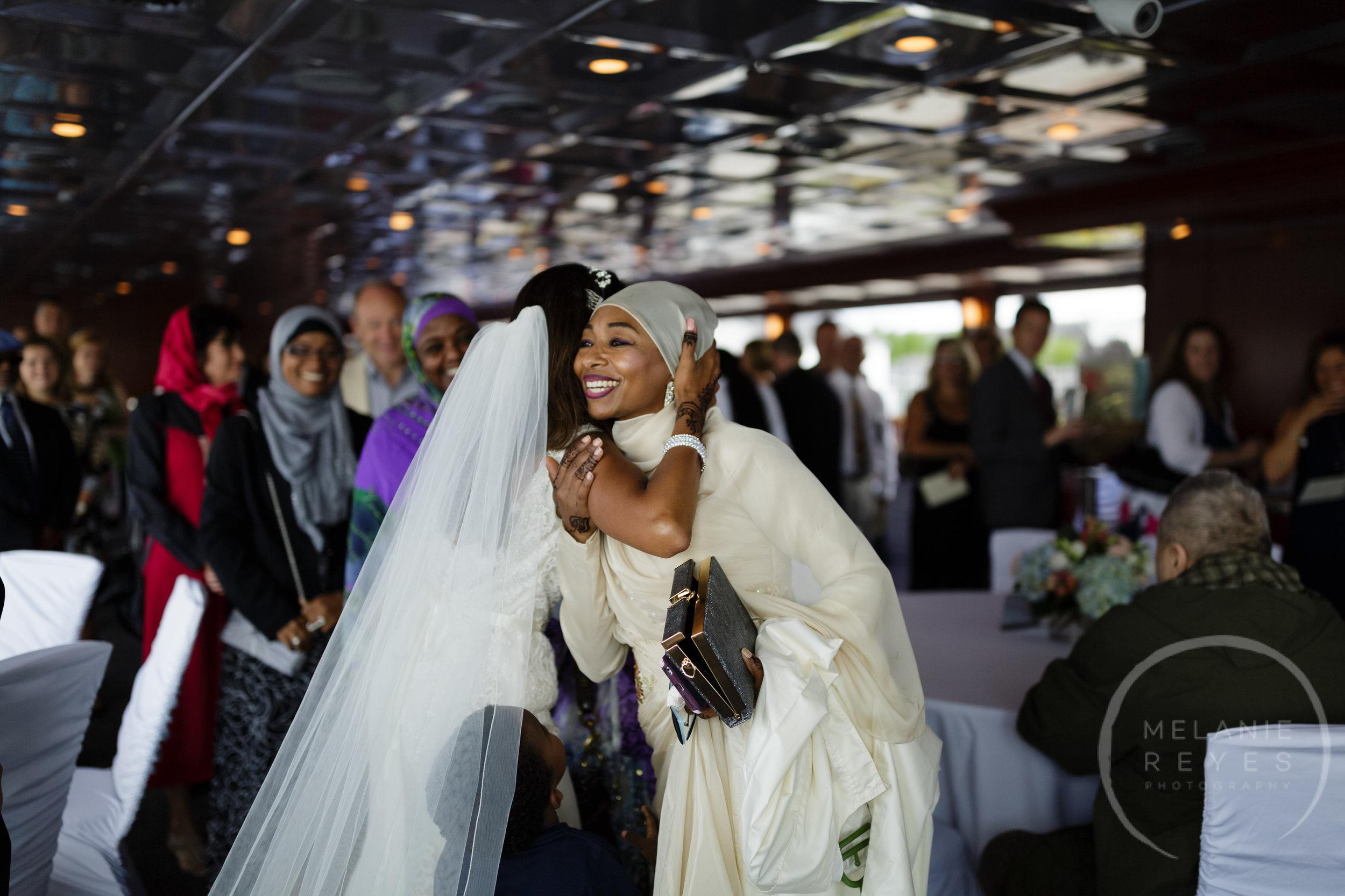 infinity_ovation_yacht_wedding_detroit_melaniereyes16.jpg