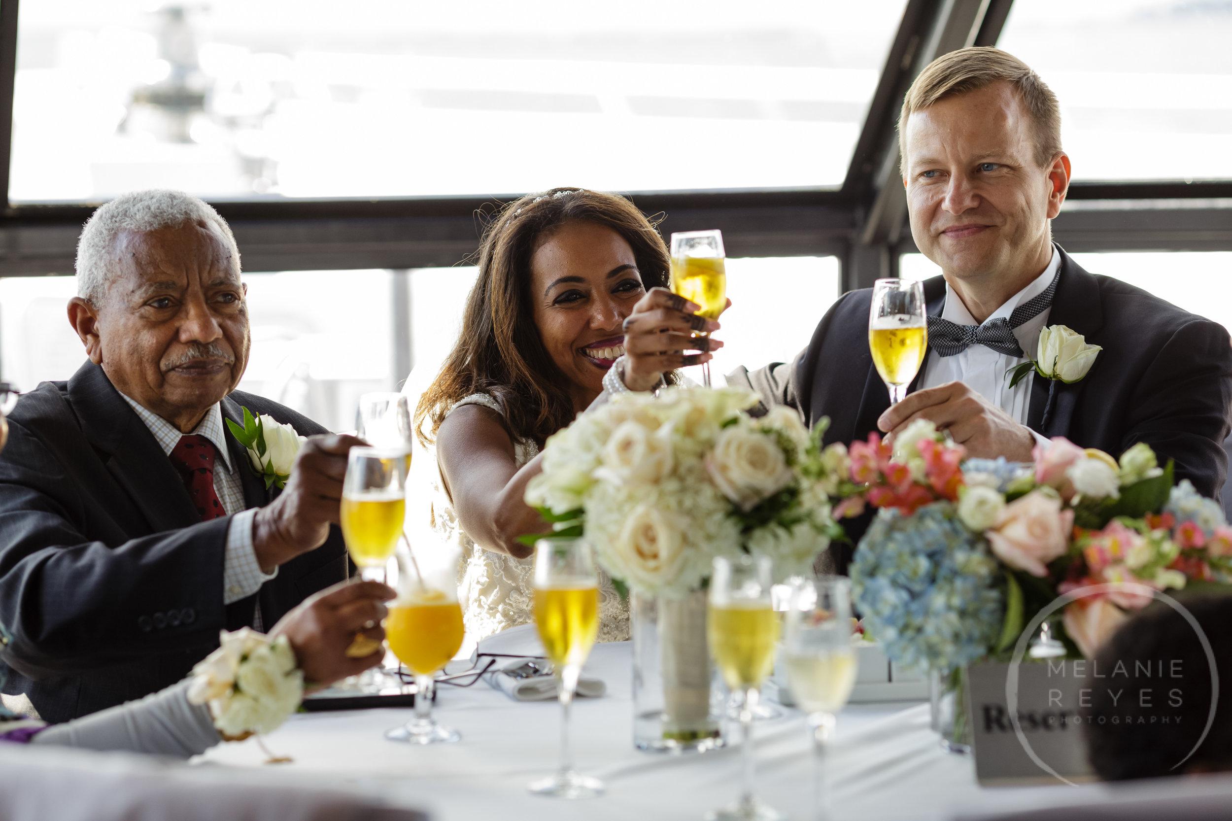 infinity_ovation_yacht_wedding_detroit_melaniereyes35.jpg