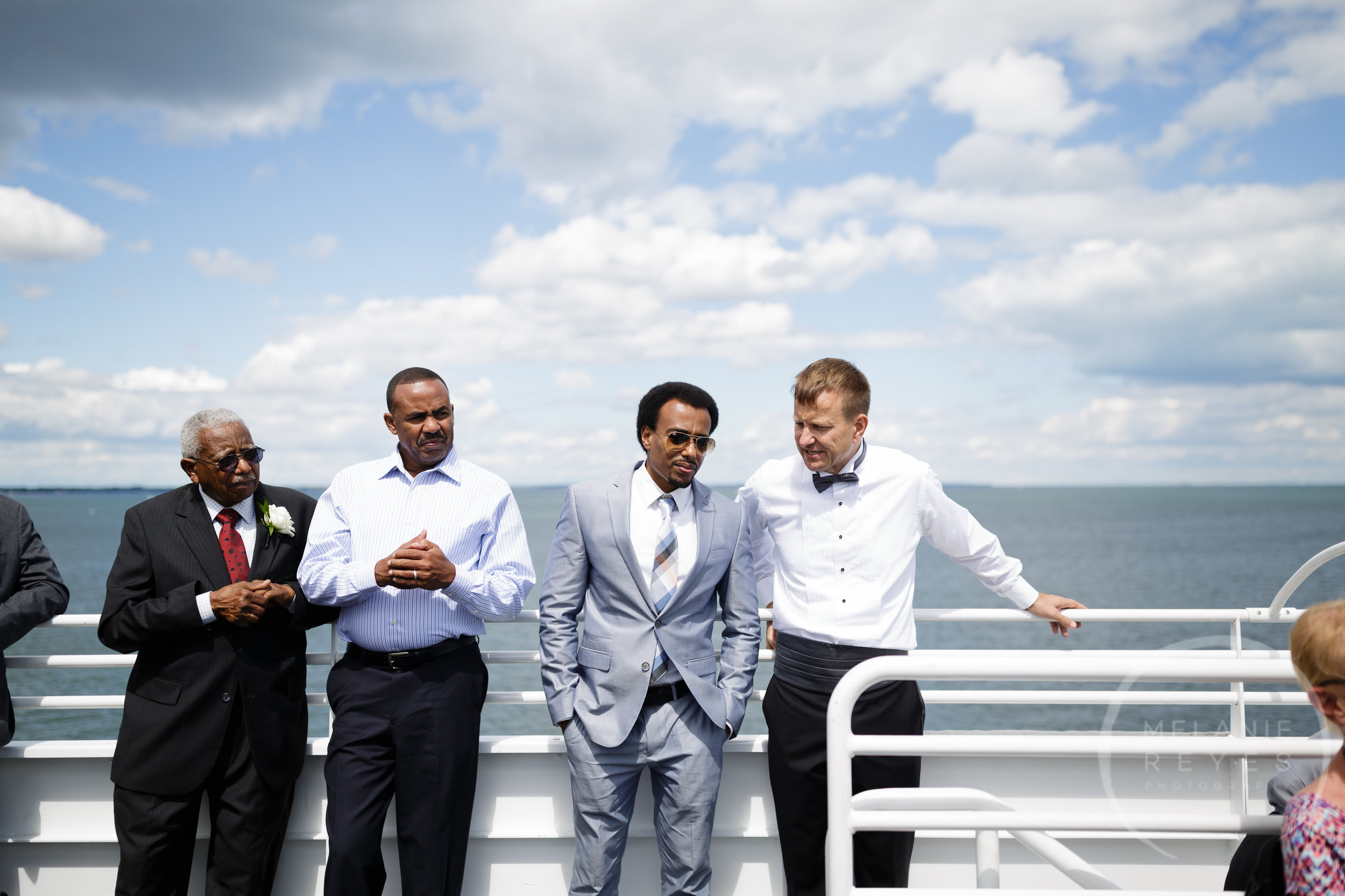 infinity_ovation_yacht_wedding_detroit_melaniereyes58.jpg