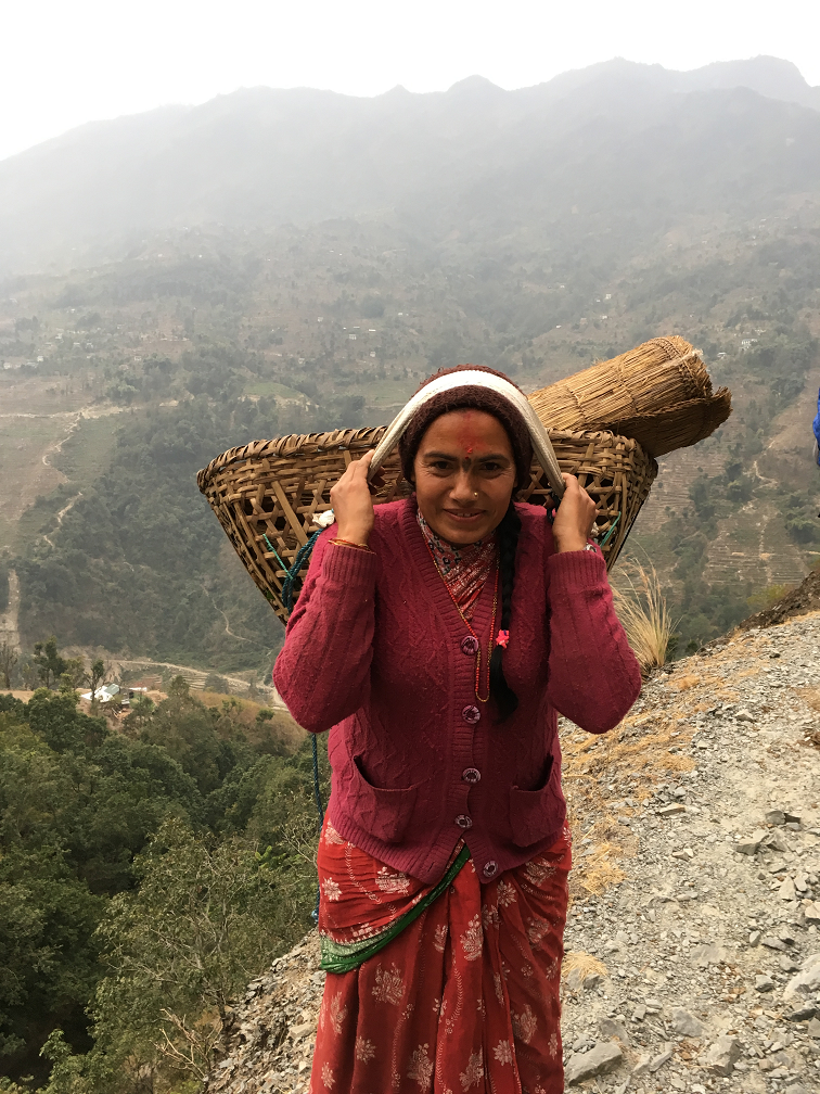 On the path to Waku in Solukhumbo, February 2017. The Glacier Trust is working with Eco Himal Nepal in Waku to enable families to adapt to the impacts of climate change.