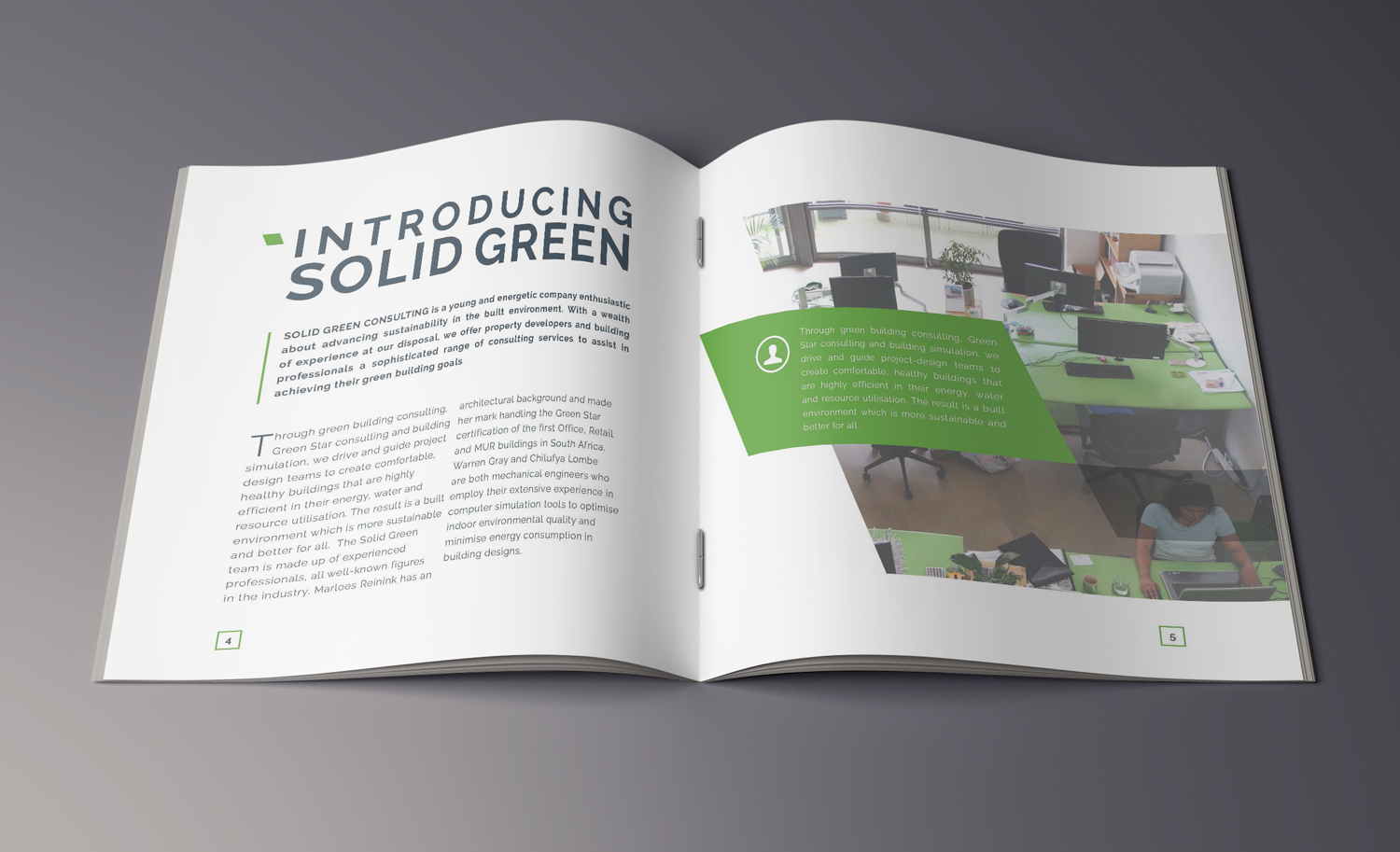 Mock-up_Brochure_21x21_22.jpg
