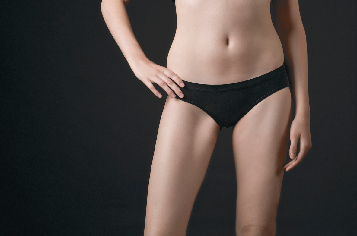 ladies_Black_Brief_Single_DSC4719.jpg