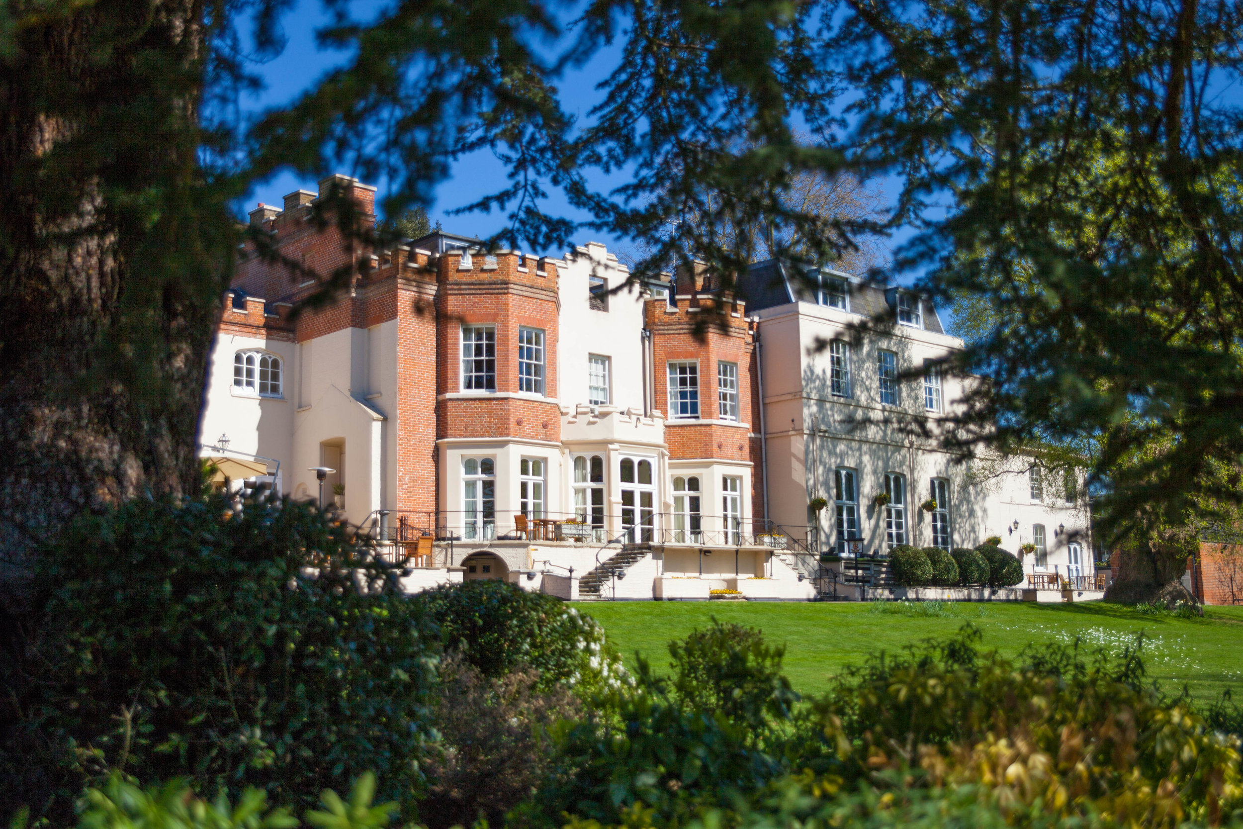 NLPhotography_Taplow_House-Wedding_Photographer_Emily&Alan_C-42.jpg