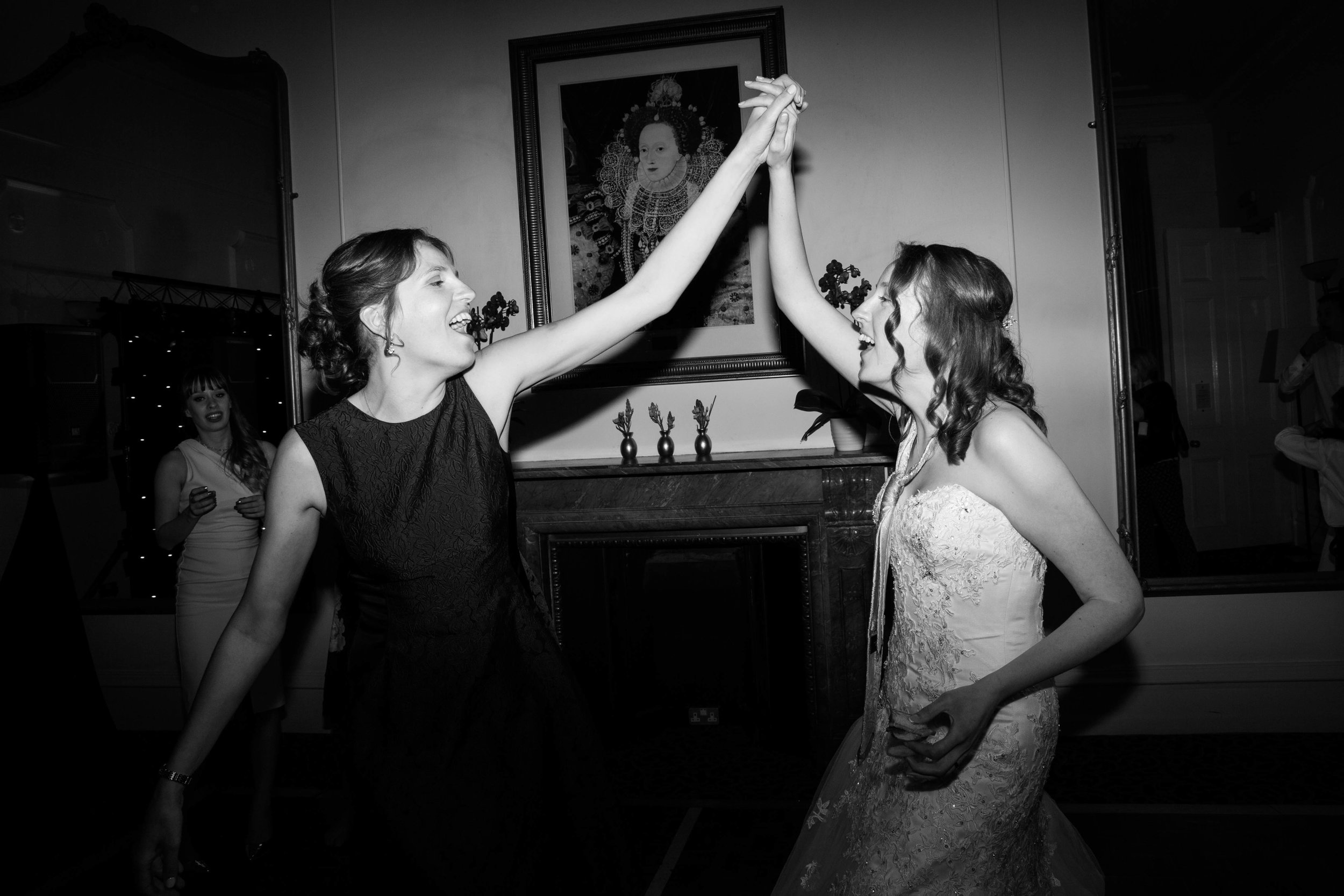 NLPhotography_Taplow_House-Wedding_Photographer_Emily&Alan_BnW-627.jpg