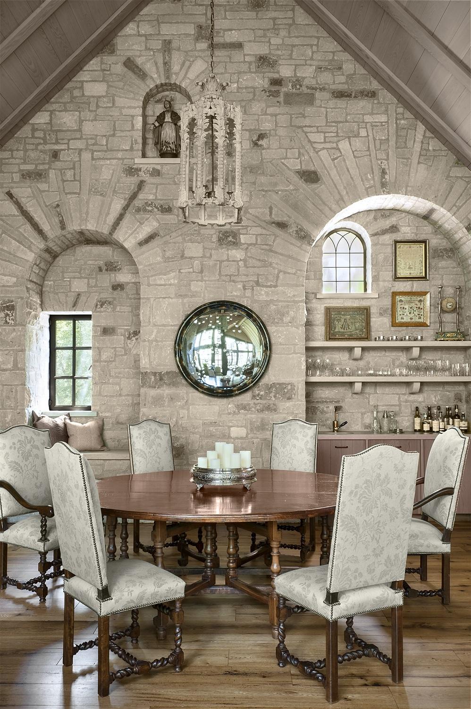 dining room_8239.jpg