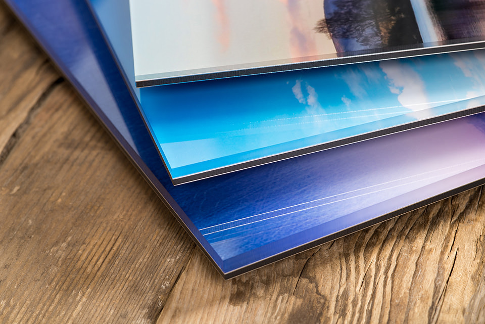 3 different Acrylic Gallery finish options