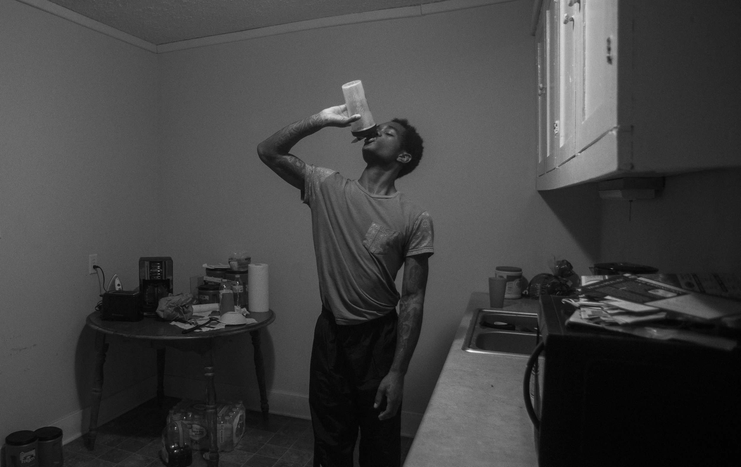 """Spikes drinks a pre-workout drink in the kitchen of his home before going on a 6-mile run. He relaxes after his morning workout by eating 2 cups of oatmeal, a protein drink and watching an episode of """"Gotham"""" or playing video games."""