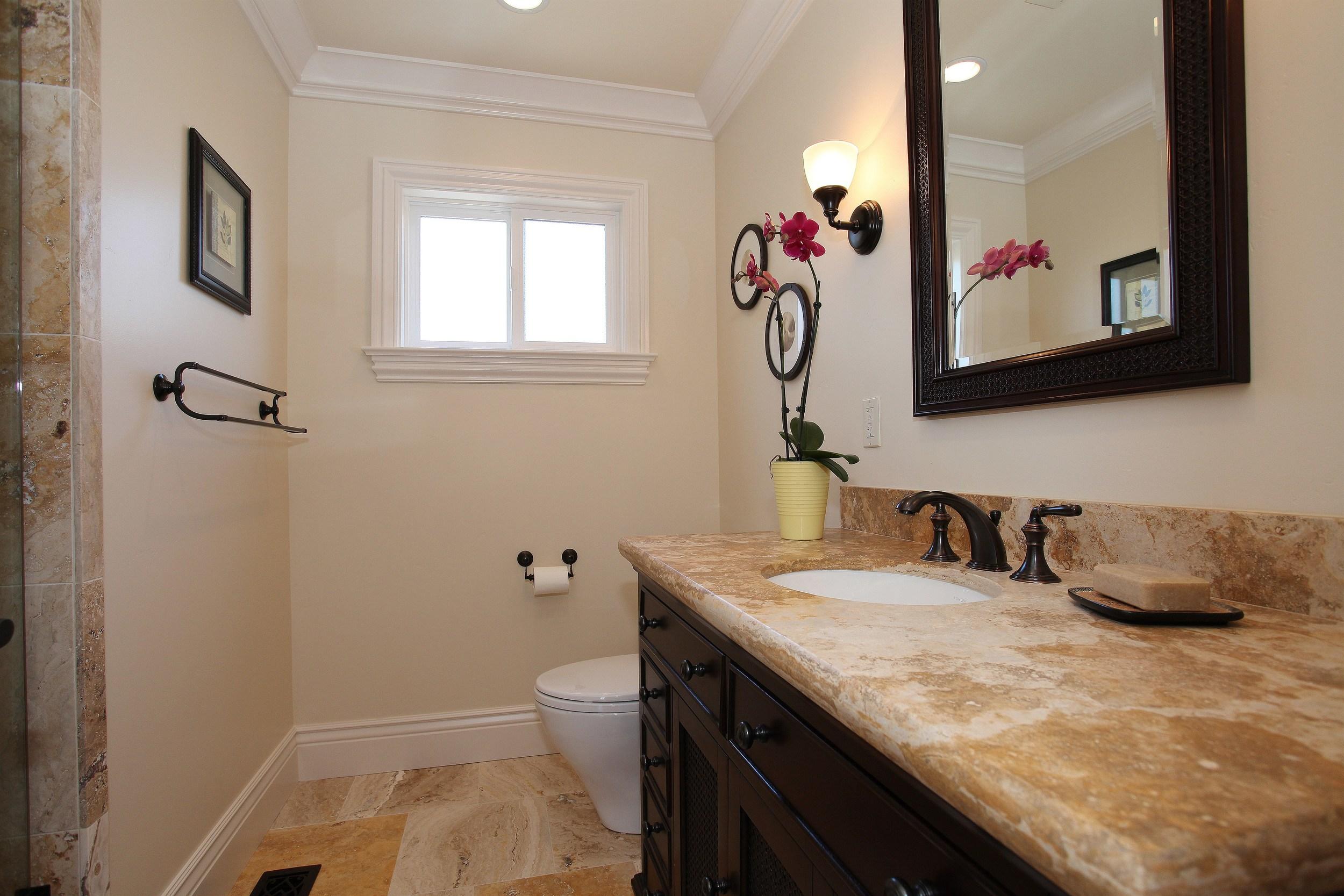 018_Guest Bathroom.jpg