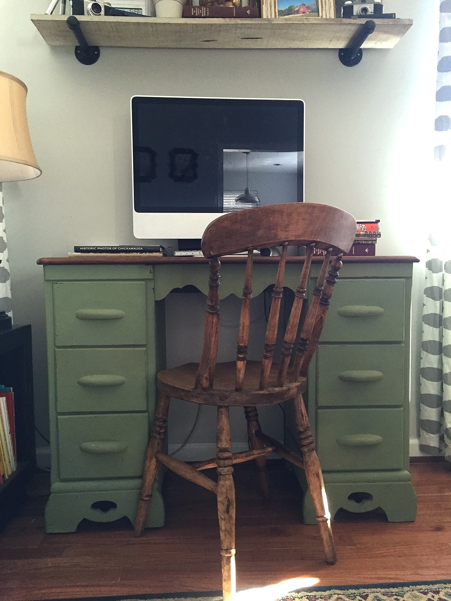The finished product with Ron's favorite old chair.