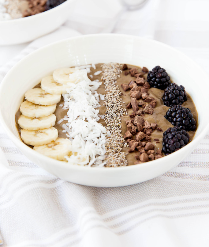 Superfood-Chocolate-Smoothie-Bowl-6-683x1024.jpg
