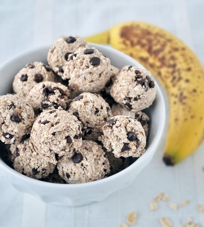 Banana-Chocolate-Energy-Bites-My-Whole-Food-Life-680x1024.jpg