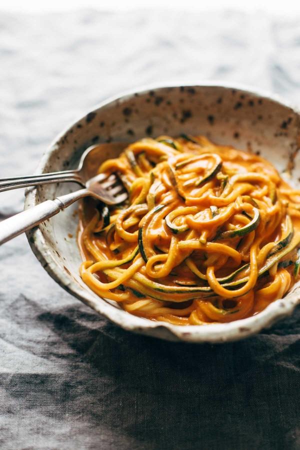 Creamy Garlic Roasted Red Pepper Pasta