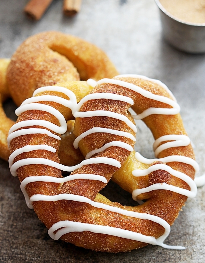 cinnamon-sugar-pumpkin-pretzels-4.jpg