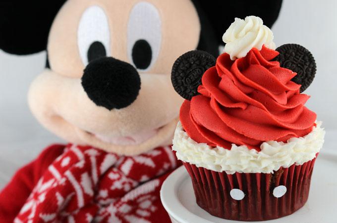 mickey-mouse-santa-hat-cupcakes-main.jpg