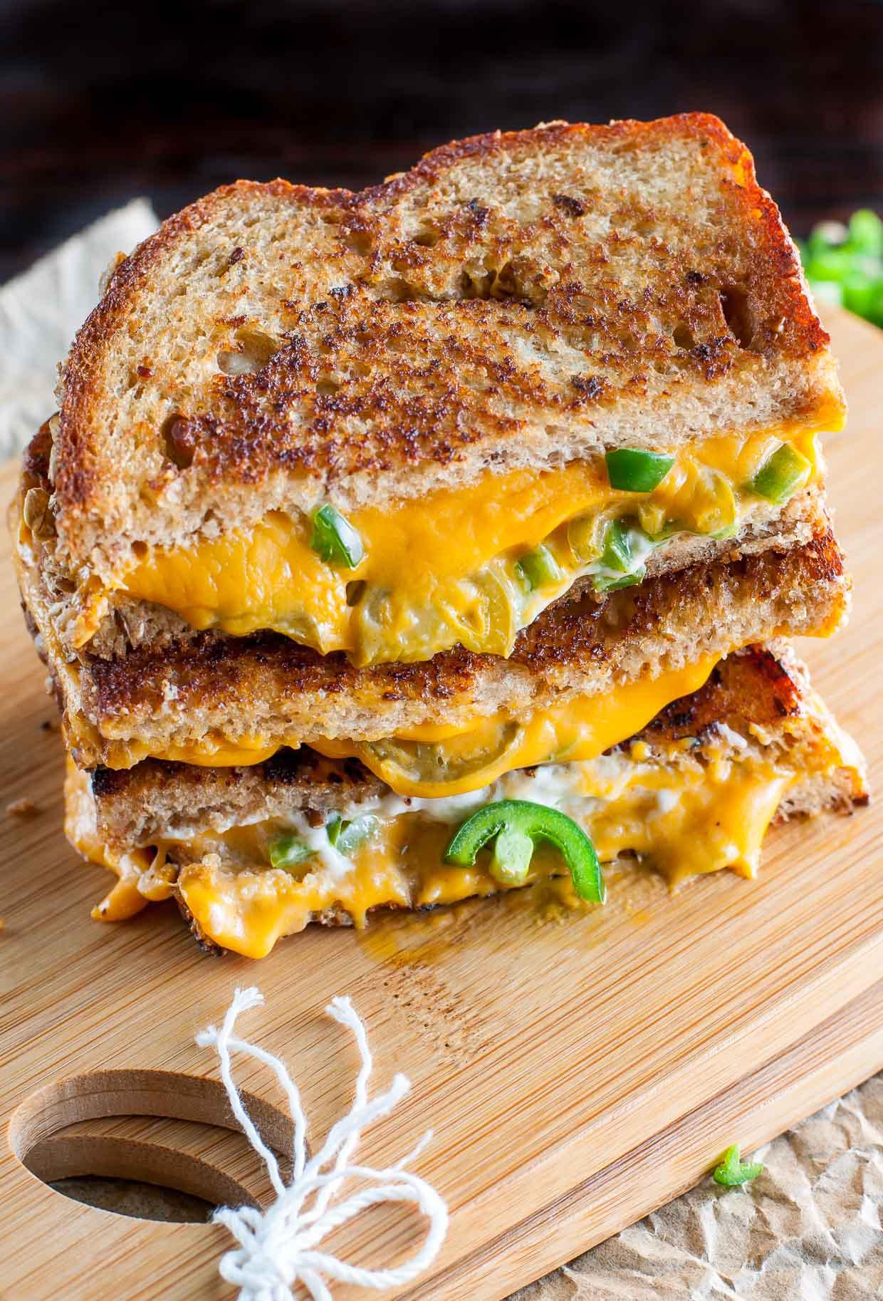 easy-cheesy-jalapeno-popper-vegan-grilled-cheese-recipe-773.jpg