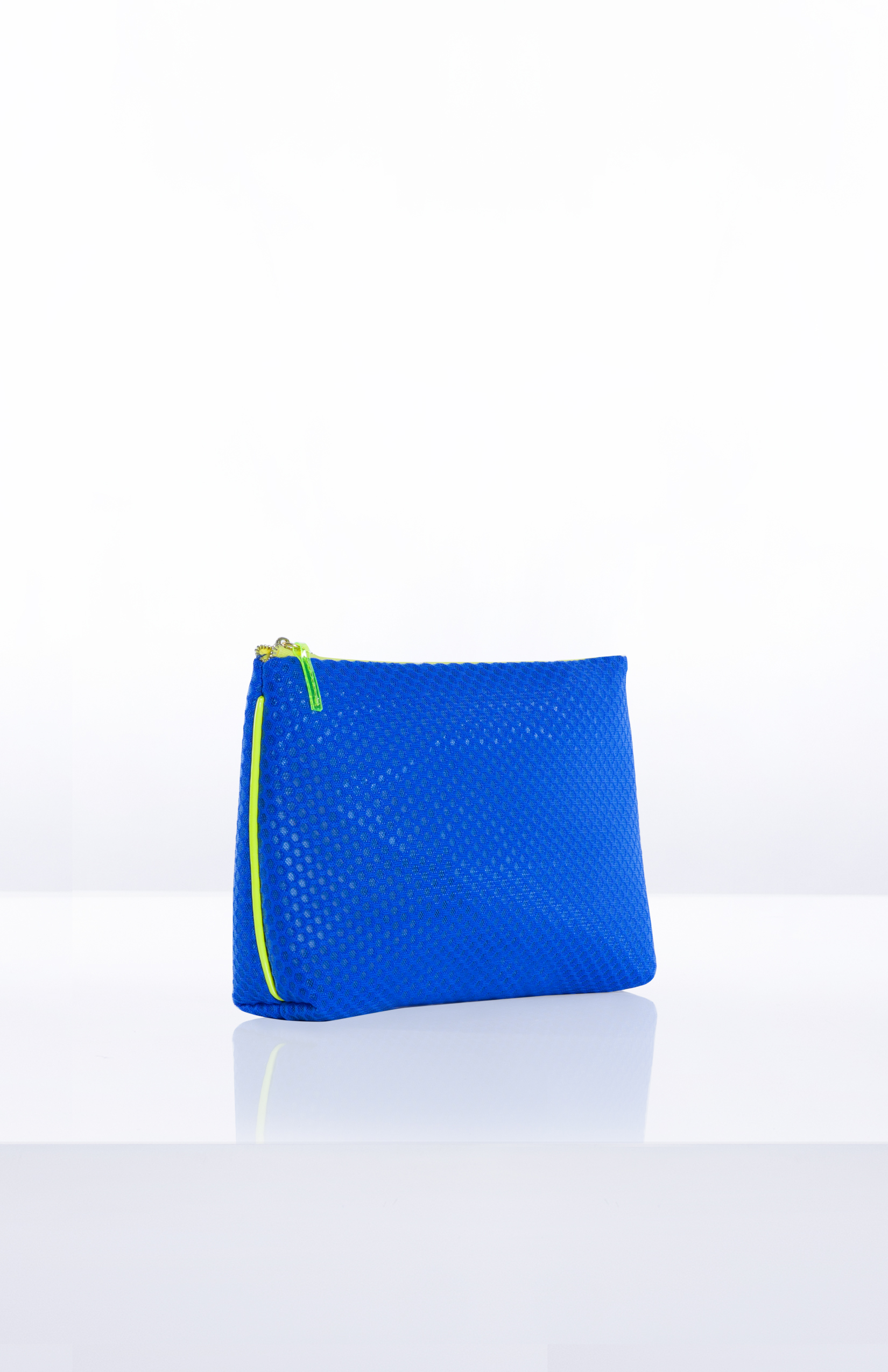 RAY OVERSIZED POUCH