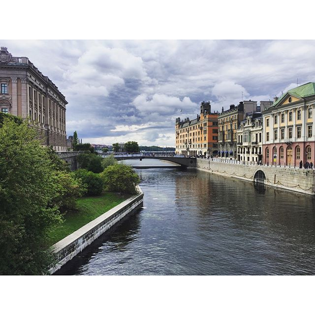 Stockholm by neighborhood: Gamla Stan. . . . .  #sweden #stockholm #visitsweden #visitstockholm #food #travel #europe #dametraveler #blackgirlstraveltoo #flynorwegian #scandinavia