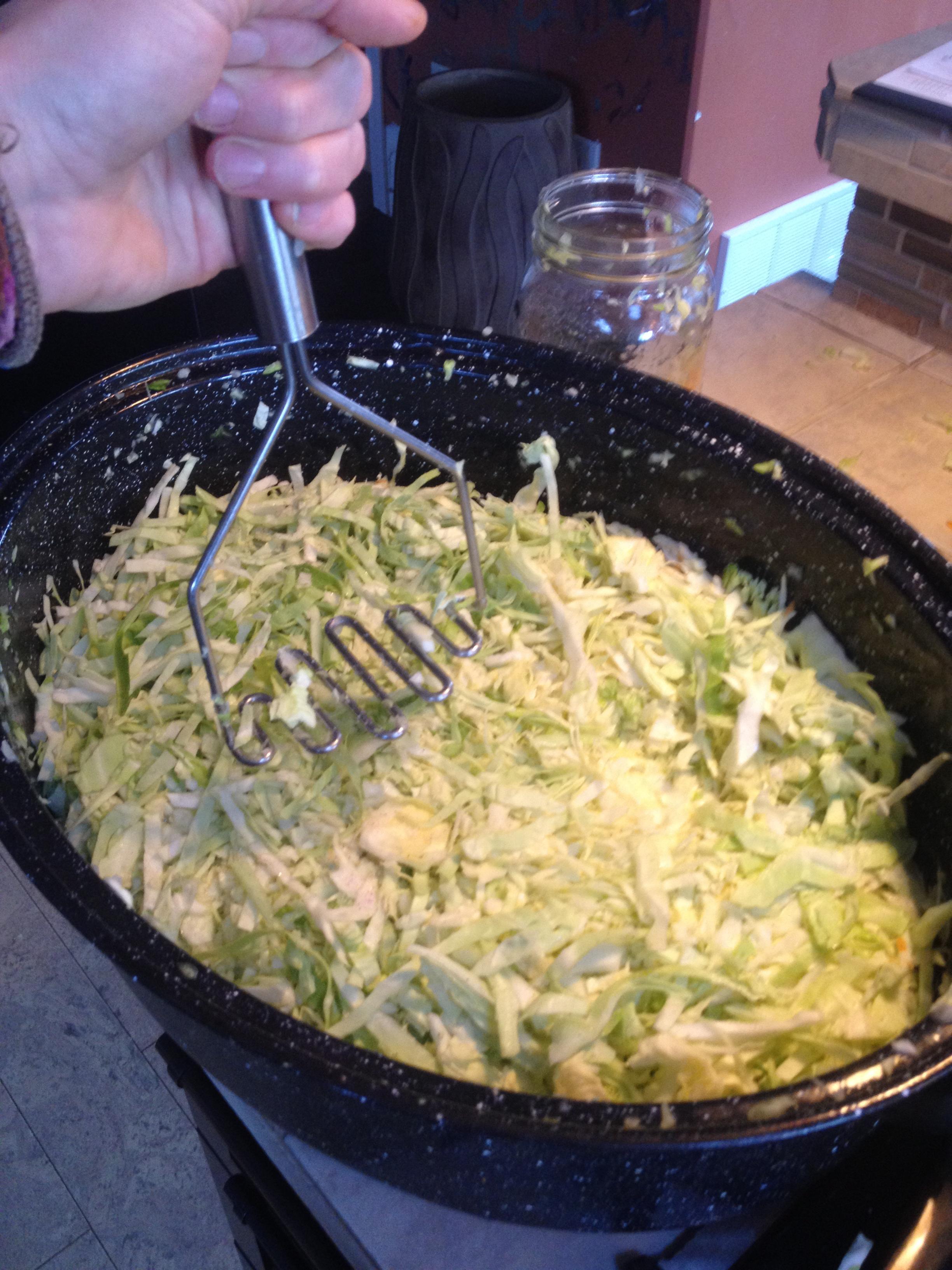 sauerkraut-preparation
