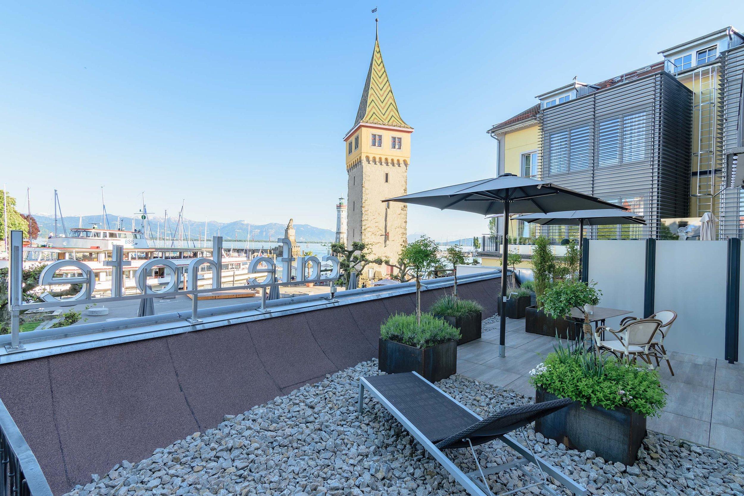 Blick von Terrasse auf Hafen - Lake view from terraces
