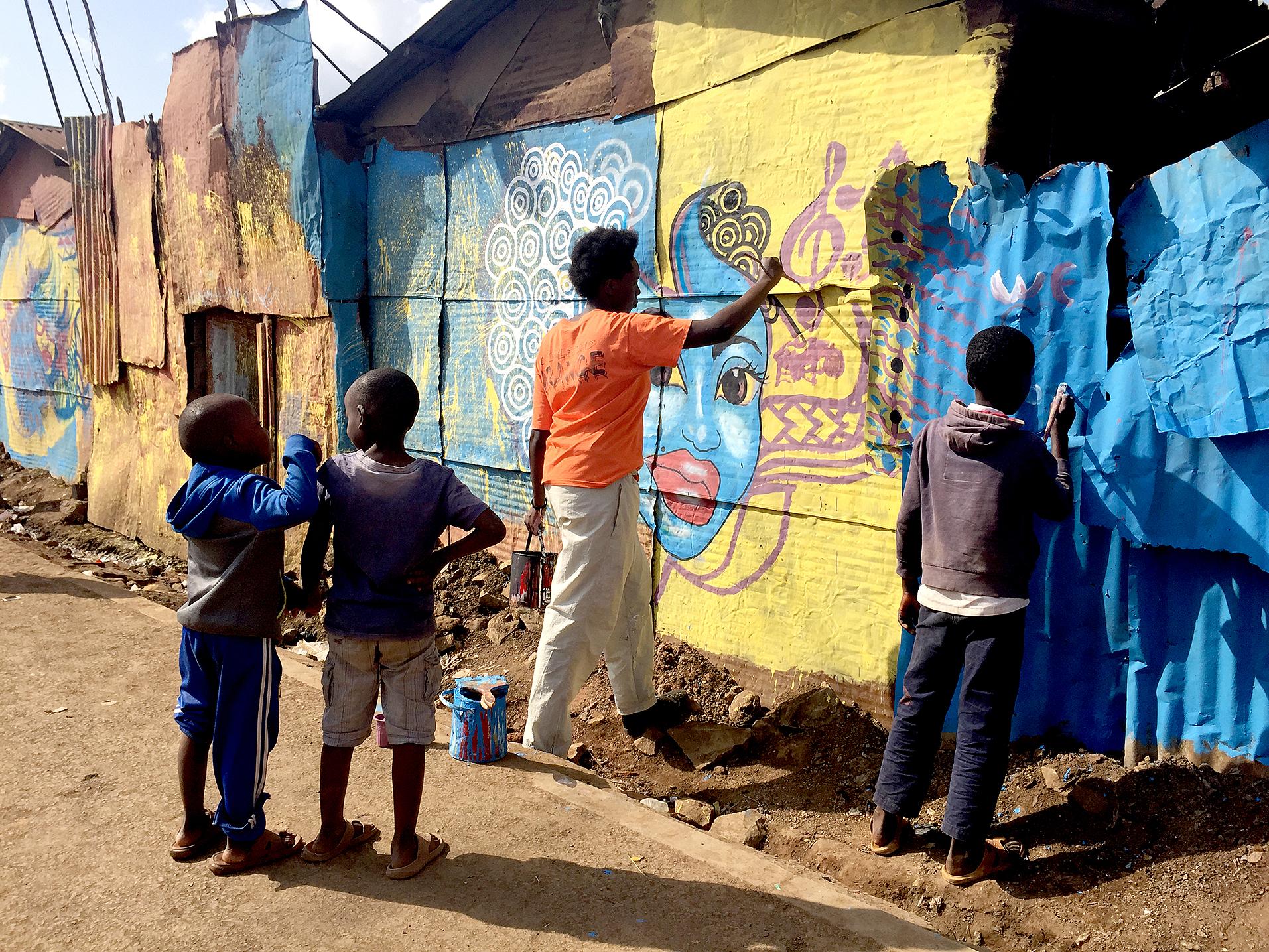 Det som skiljer Korogocho Streetscapes från många initiativ kring stadsutveckling i Nairobi är att huvudfokus ligger på barn och ungas möjlighet att verka och aktivera sig på och i offentliga platser.