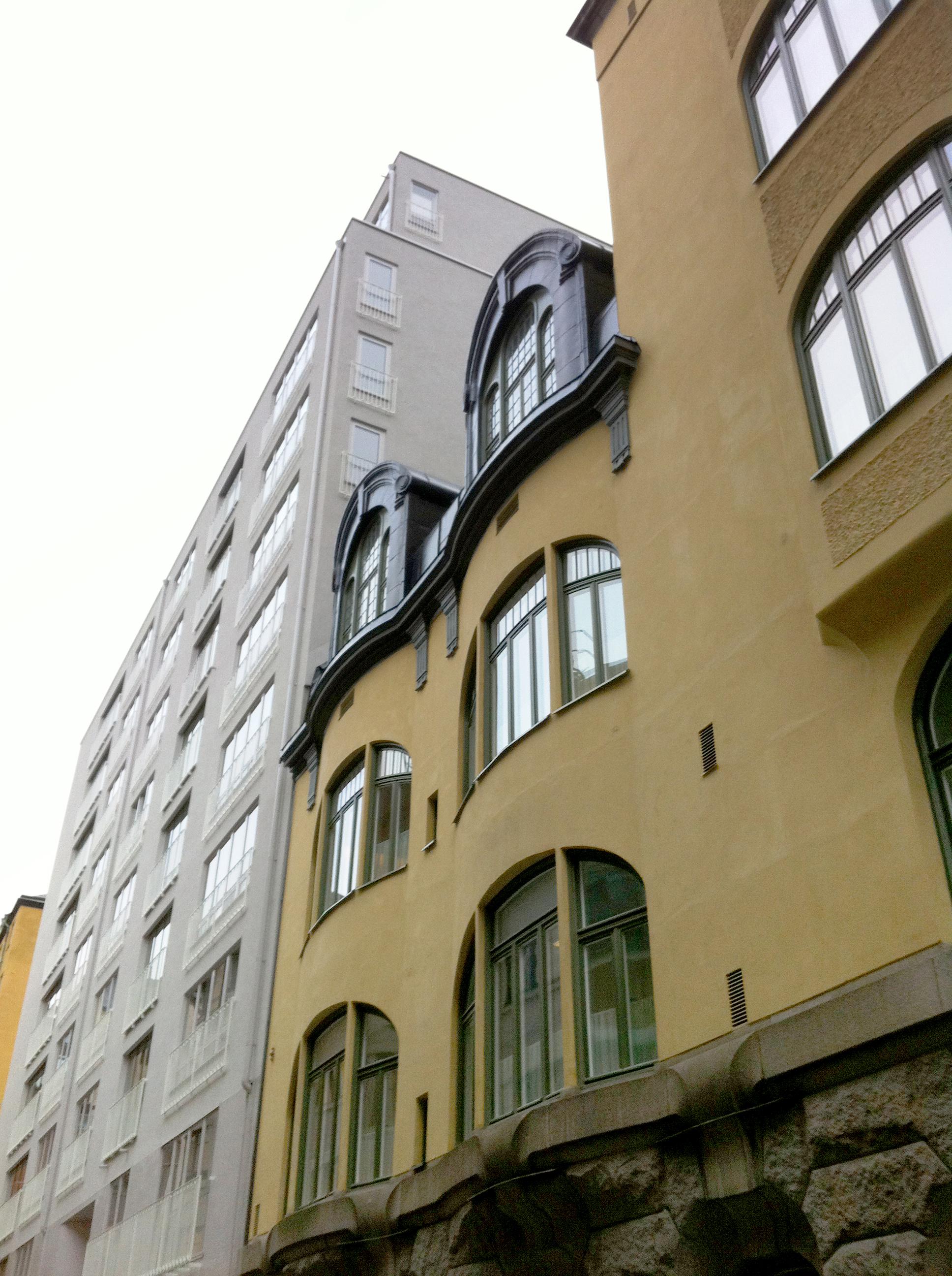 Ny byggnad i närheten av Adolf Fredrik kyrka i centrala Stockholm. Foto Peter Lundevall