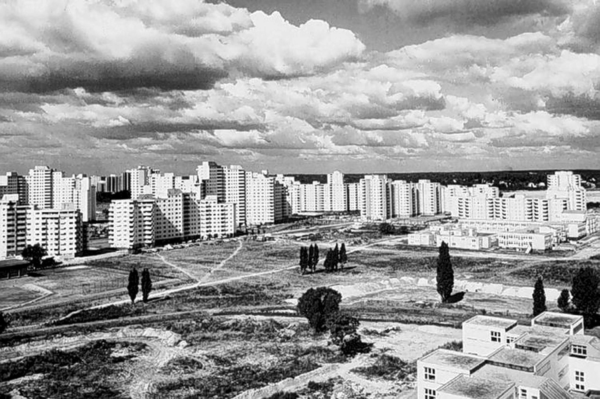 Bostadsmarknaden inte bara kan handla om kvantiteter. Här är en bild över Gropiusstadt, ett storskaligt bostadsområde i Berlin.