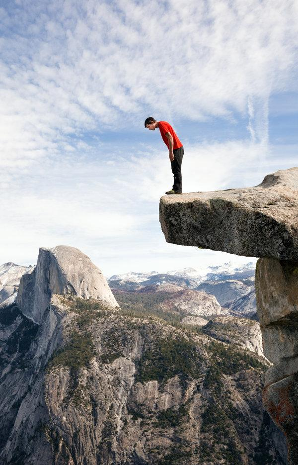 Alex Honnold on Glacier Point in Yosemite Valley. Photo by: Peter Bohler, New York Times