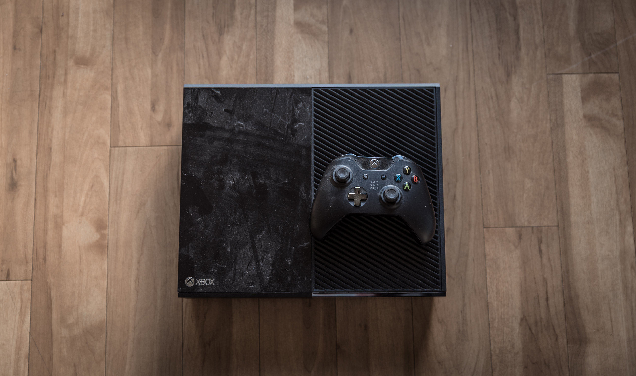 XBOX ONE that I've only used for 5 hours.