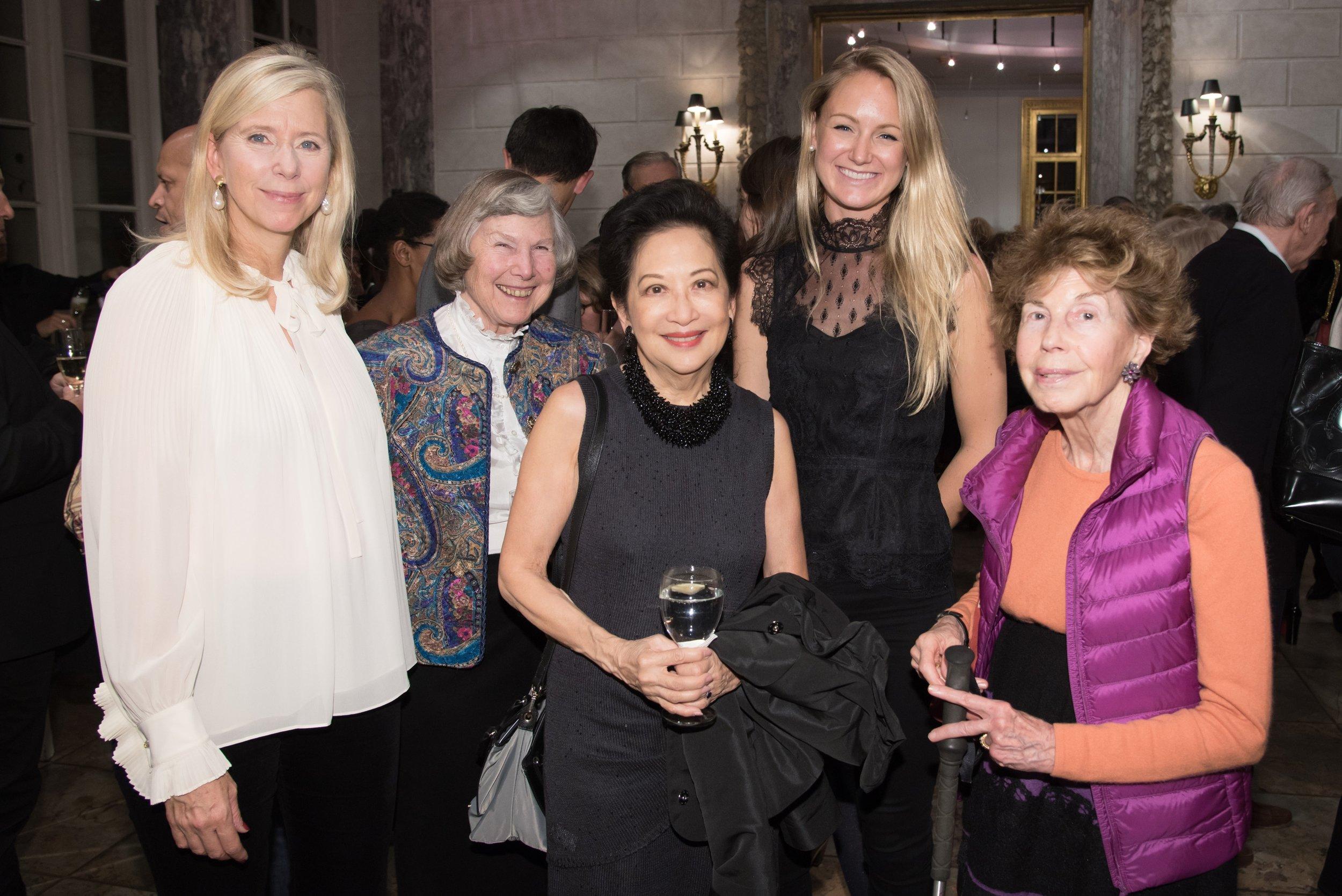 aw-59390-Dorothea De La Houssaye, Caroline Lareuse, Patricia Lee, Alexandra Beckmeyer, Eugenie Angles.jpg