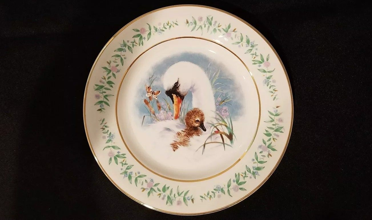 "1975 avon collectors plate ""gentle moments"" by enoch wedgewood  $17.99"